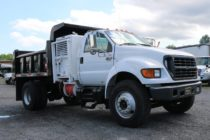 2000 Ford 10' Dump Truck