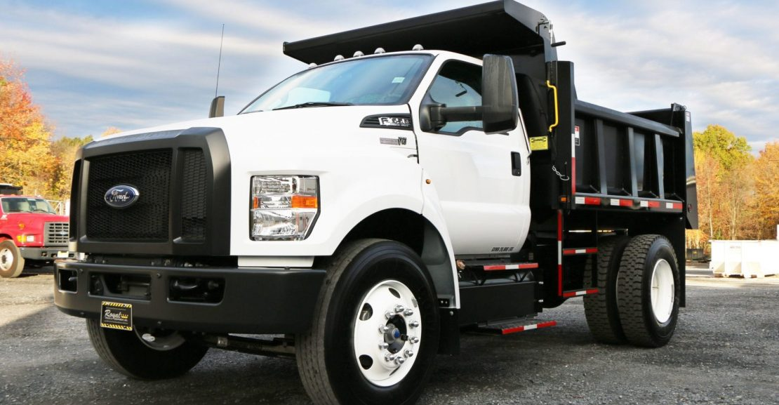 Picture of: 4 Things You Need To Consider When Purchasing A Dump Truck Royal Truck Equipment
