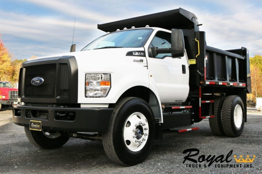 Medium Duty Dump Truck - Industry's Toughest | Royal Truck