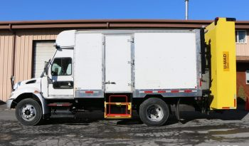 2006 International 4300 14' TMA-Vestibule