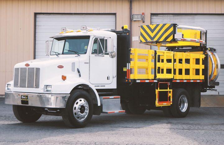 2004 Peterbilt 330 15' TMA Truck
