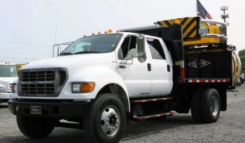 2000 Ford F750 11′ TMA1M